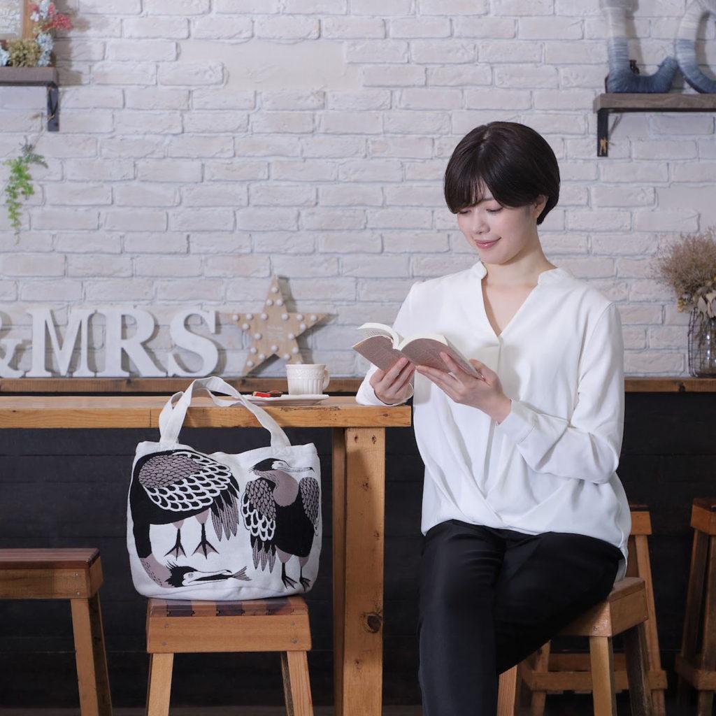 Morita MiWさんのトートバッグが人気急上昇中です。導入をご検討ください。